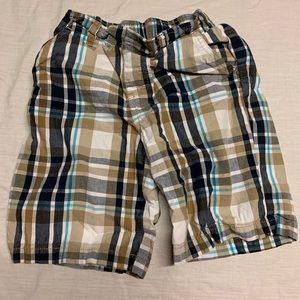 Size 5 plaid cargo shorts
